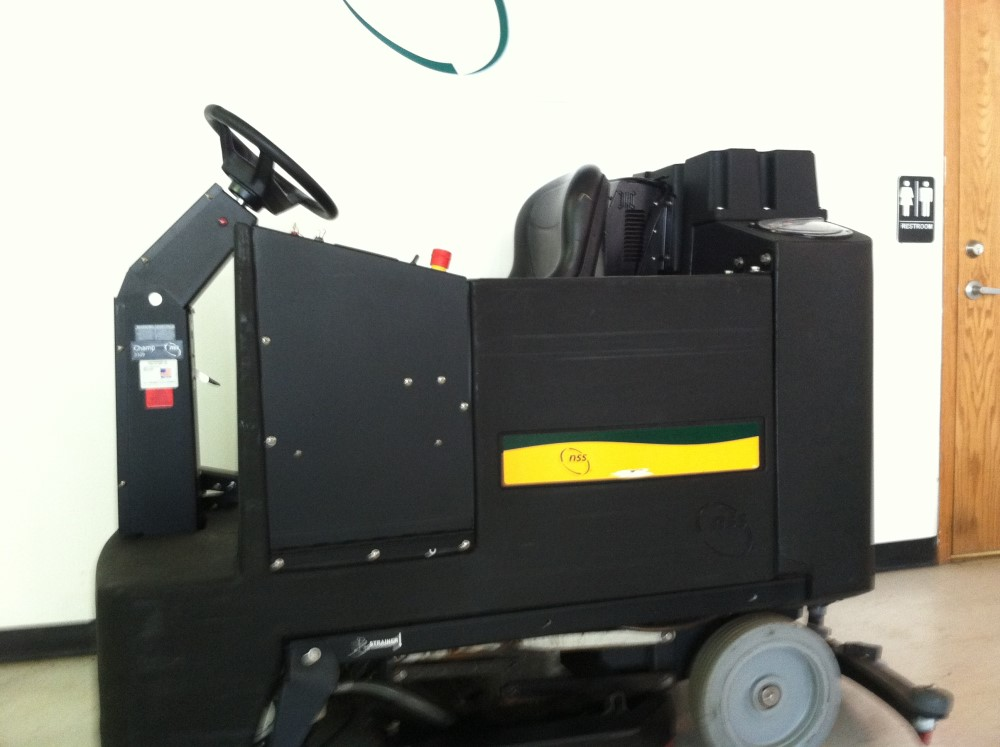Nss Champ 3329 Riding Floor Scrubber Order Used Floor