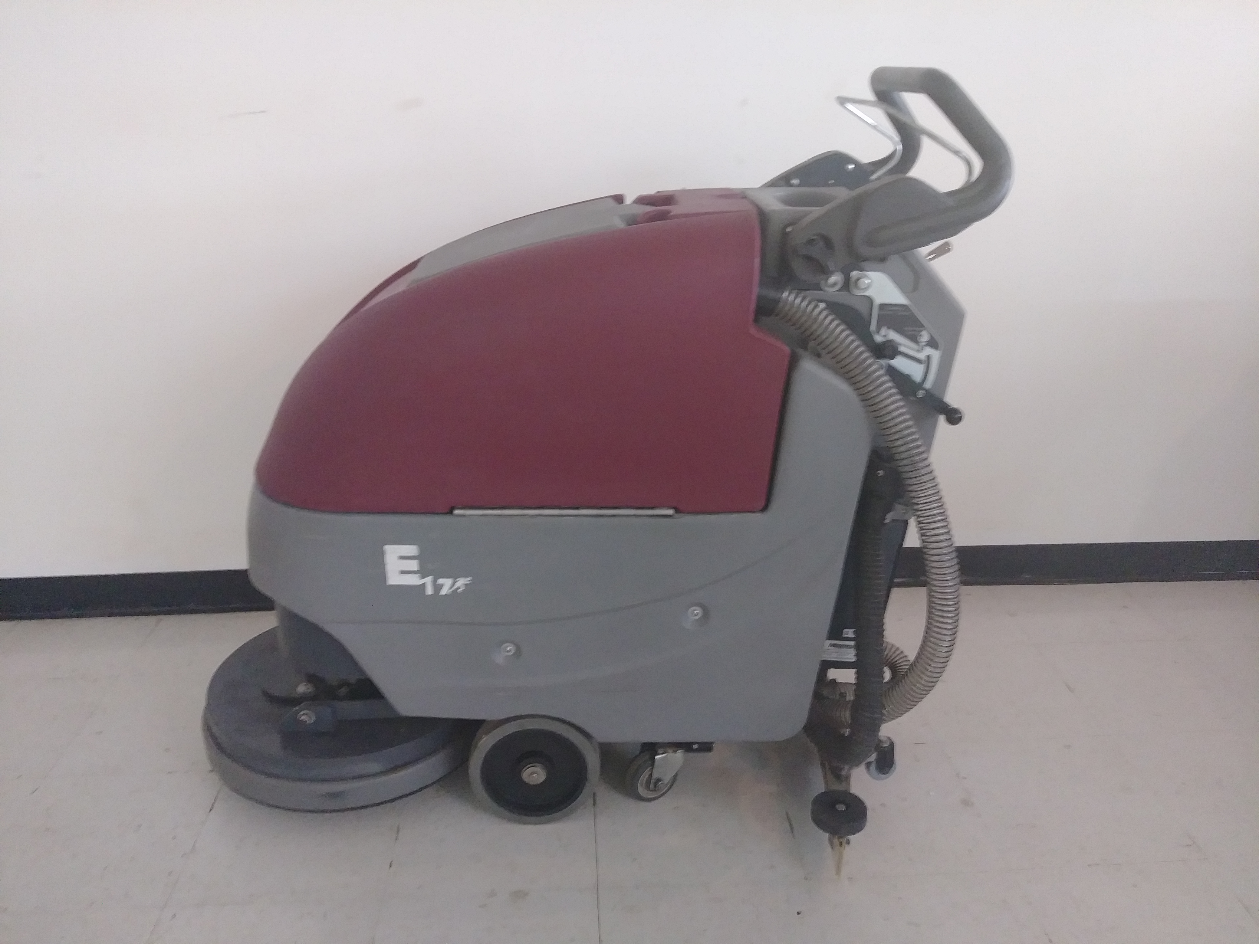 Minuteman E17 Pad Assist Professional Cleaning